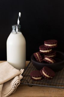 #raw #vegan Oreo Cookies from Deviliciously Raw