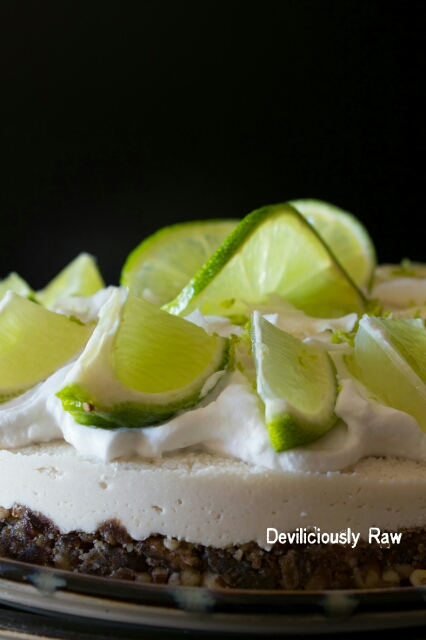 RawVegan Coconut & Lime Cake