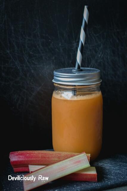 Rhubarb_juice