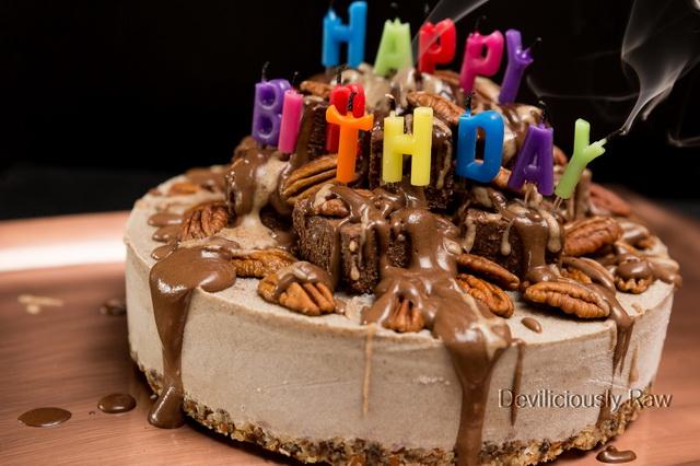 #raw #vegan Birthday Cake from Deviliciously Raw