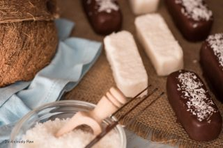 #raw #vegan Bounty Bars from Deviliciously Raw