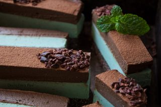 Chocolate mint slice deviliciously raw chocolate mint slice forumfinder Image collections