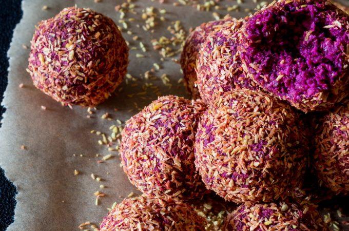 #raw #vegan Blackberry Beet Bliss Balls from Deviliciously Raw