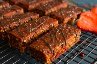 #raw #vegan Goji Berry Energy Bars from Deviliciously Raw