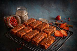 #raw #vegan Goji Berry Energy Bars from Deviliciously Raw