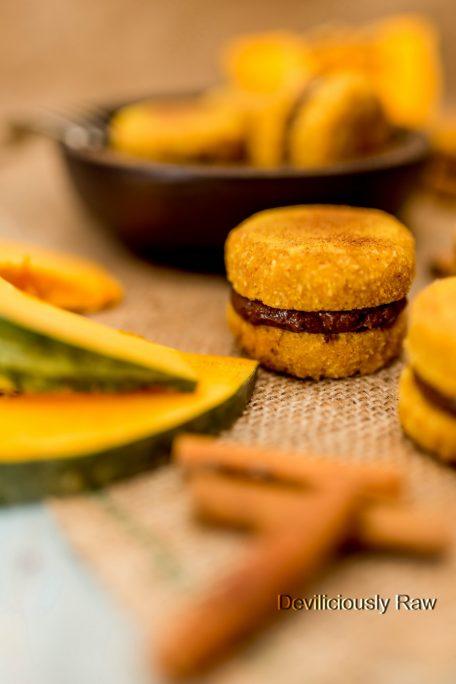 #raw #vegan Pumpkin & Chocolate Macaroons from Deviliciously Raw