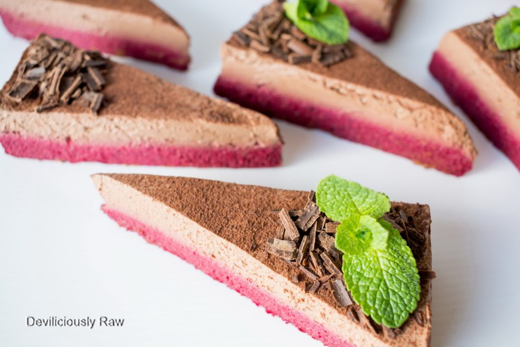 #raw #vegan Beetroot and Chocolate Mousse Cake from Deviliciously Raw