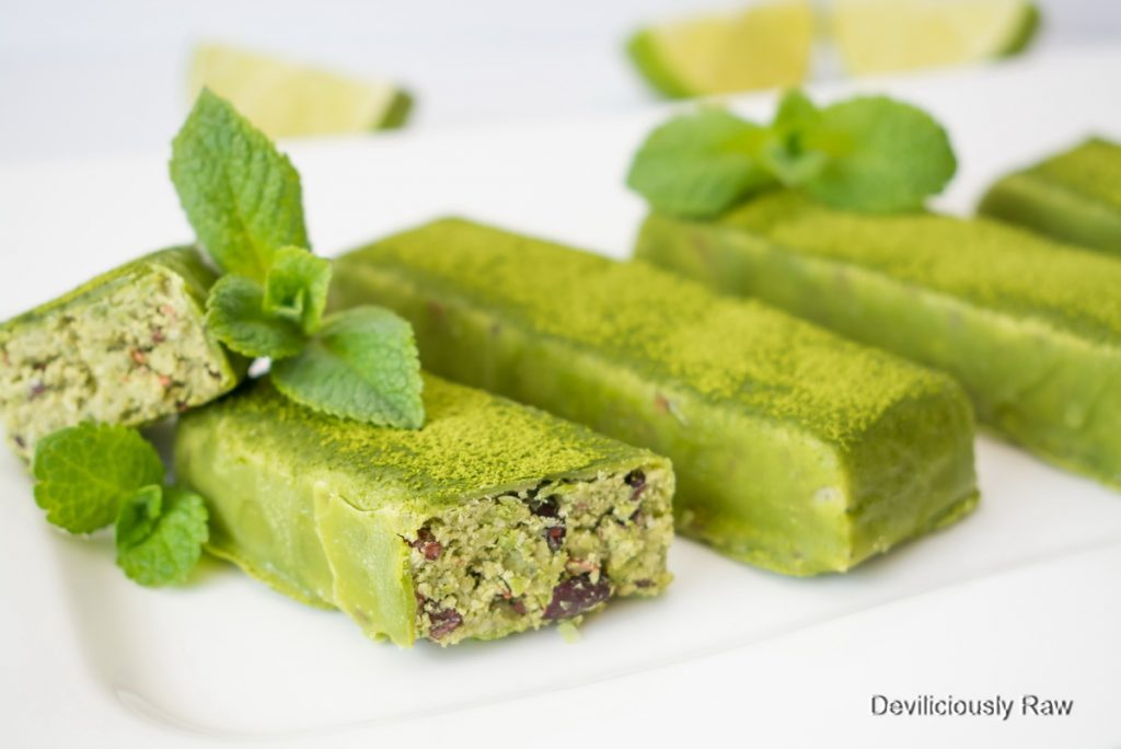 #raw #vegan Shamrock Fudge Bars from Deviliciously Raw