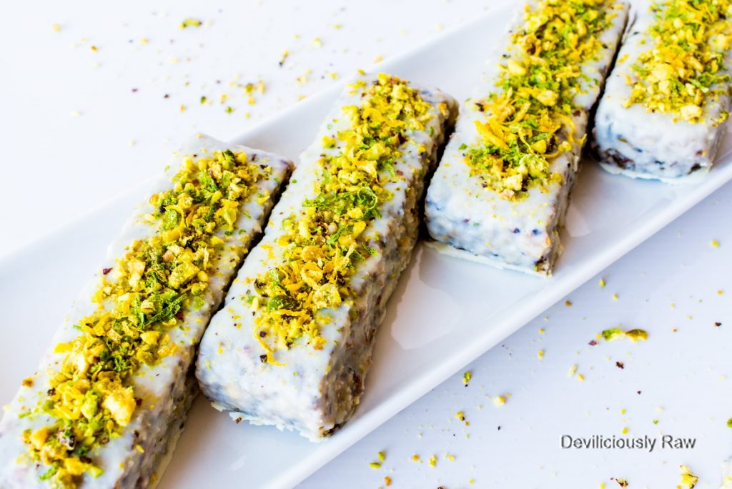 #raw #vegan Pistachio Lime Crunch Bars from Deviliciously Raw