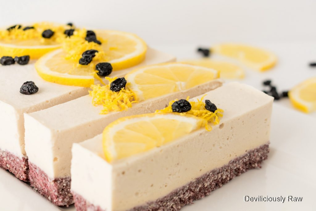 #raw #vegan Sunshine Lemon Cake from Deviliciously Raw