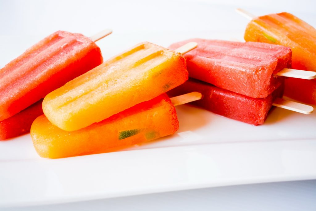 #raw #vegan Carrot/Orange/Ginger/Turmeric and Watermelon/Lime/Mint Popsicles | Deviliciously Raw
