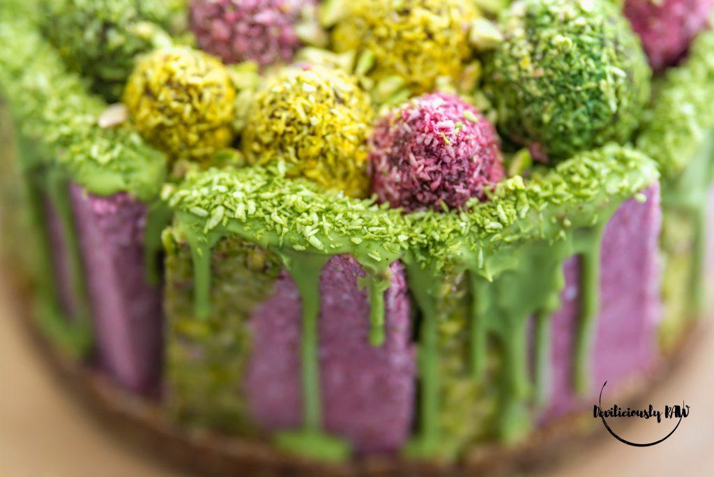 #raw #vegan Easter Cake | Deviliciously Raw