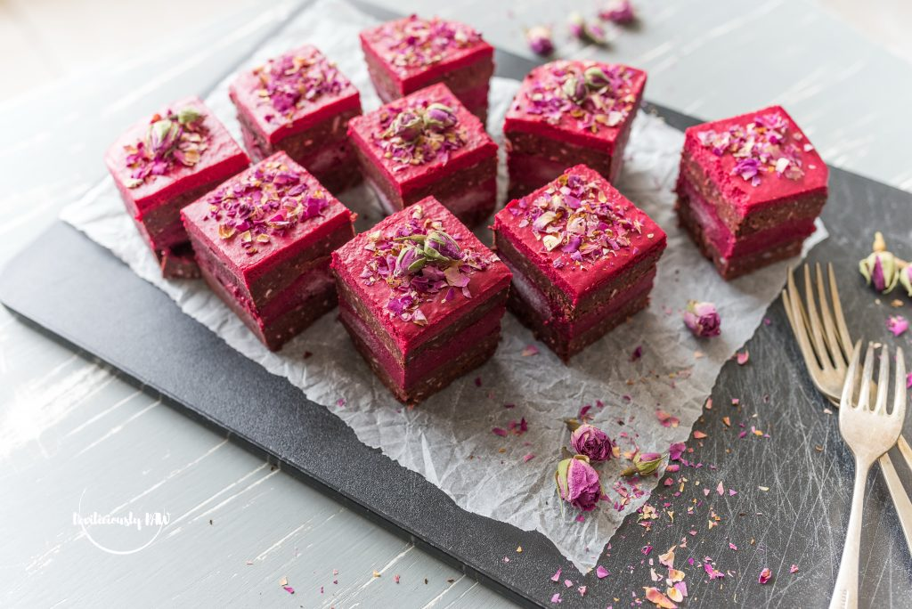 #raw #vegan Beetroot and Raspberry Brownie | Deviliciously Raw