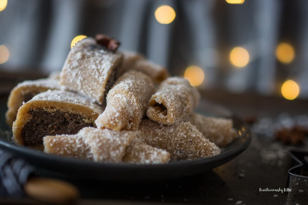 #raw #vegan Traditional Hungarian Christmas Cookies | Deviliciously Raw