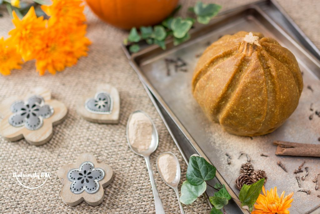 #raw #vegan Pumpkin Fudge Cake | Deviliciously Raw