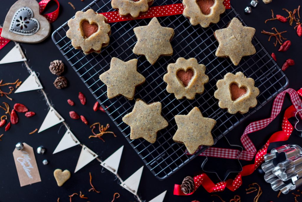 #raw #vegan Linzer Cookies | Deviliciously Raw